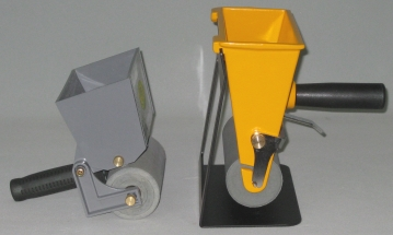 Glue spreaders side view